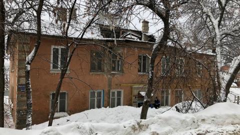 В Саратове снова обрушилась крыша жилого дома