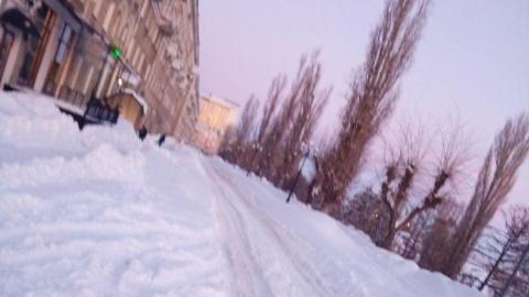 Снег, ветер и заносы на дорогах: саратовцы просят ввести режим чрезвычайной ситуации