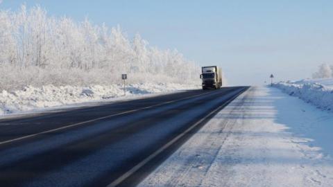 Метель стала причиной закрытия трассы Пристанное — Ершов — Озинки — Казахстан