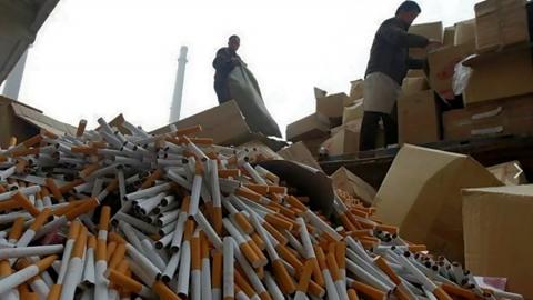 Больше трех тысяч пачек сигарет без акцизных марок нашли в табачном киоске