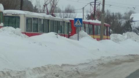 Трамваи не ходят в Солнечный из-за аварии на путях