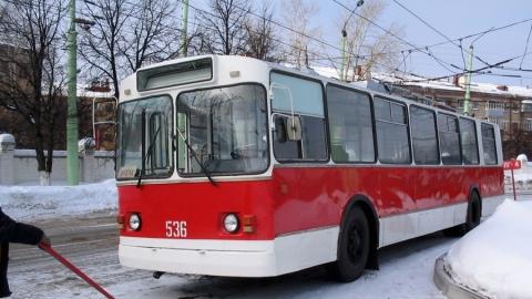 "Автоавария остановила движение троллейбусов 2 ""А"""
