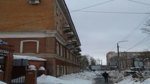 Саратовчанка повредила голову рядом с корпусом СГУ