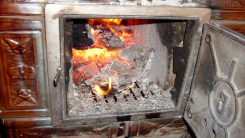 Женщина насмерть отравилась угарным газом, мужчина - в больнице