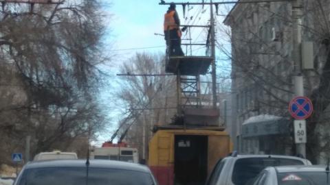 Оборвавшиеся провода остановили два троллейбусных маршрута