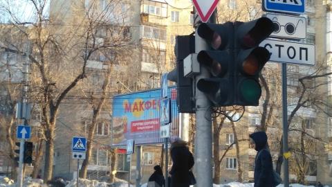 На оживленном перекрестке не работает ни один светофор