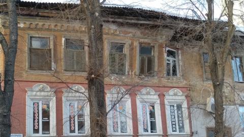 В центре Саратова рухнула стена очередного дома