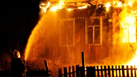 Ночью на пожаре погибли двое мужчин