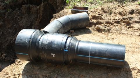«КВС» заменят водопровод в Крымском тупике