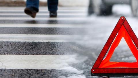 Водитель сбил на пешеходном переходе трех человек