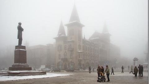 Спасатели предупредили о туманах и снегопаде
