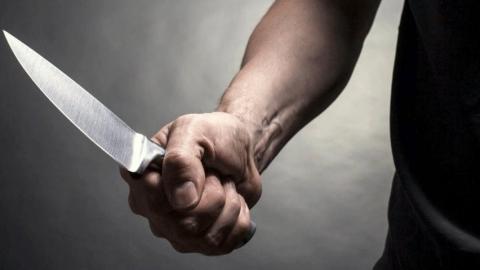 Мужчина с ножом ворвался на почту и пытался ограбить женщину