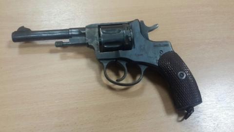 Мужчина переделал сигнальный револьвер в огнестрельный