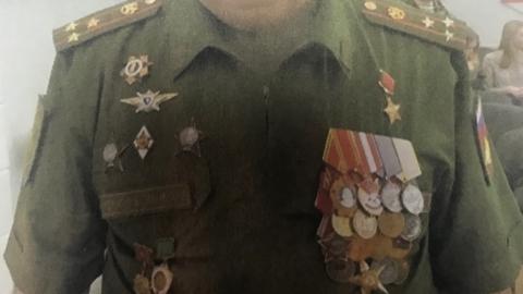 Разоблачен липовый ветеран-полковник с муляжом звезды Героя Советского Союза