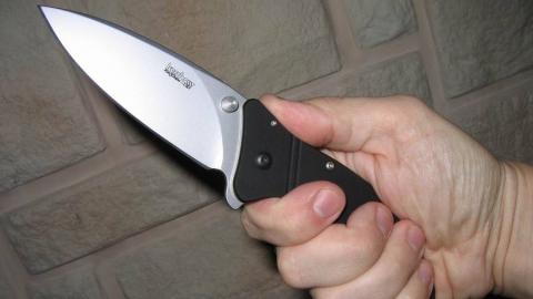 Уроженец Саратовской области напал на полицейского с ножом и пистолетом