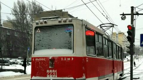 11-й трамвай остановился из-за аварии