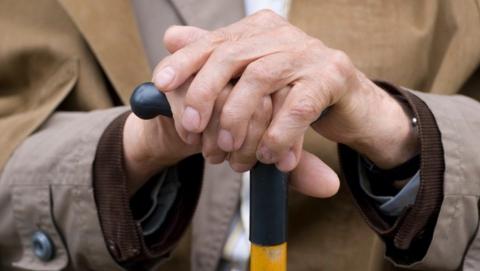 Старика подозревают в краже кошелька у пенсионерки