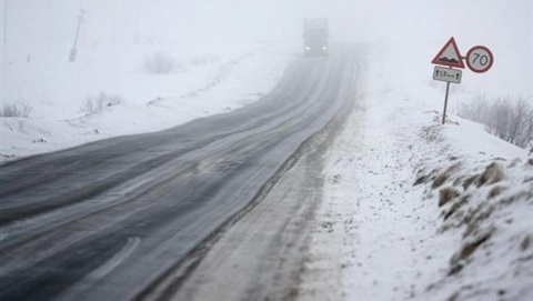 Метели и снегопады. Отрезаны 12 сел и поселков Саратовской области