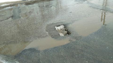Водитель пожаловался на сломанную решетку канализации