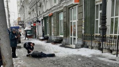 Умер пожилой саратовец, которому вчера размозжило голову ледяной глыбой