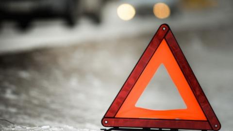 В аварии легковушки и бензовоза ранена пассажирка