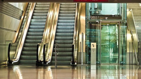 За опасные лифты и экалаторы будут штрафовать, дисквалифицировать и останавливать предприятия