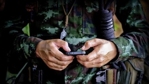 Военным запретили иметь при себе гаджеты с геолокацией, камерами и выходом в интернет