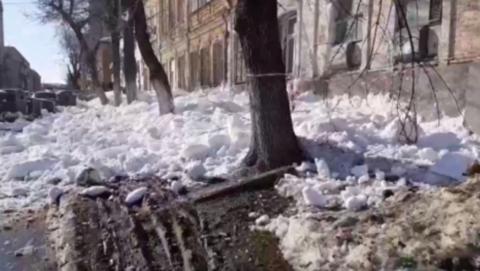 Дом, с которого засняли сход снежной лавины, никто не обслуживает