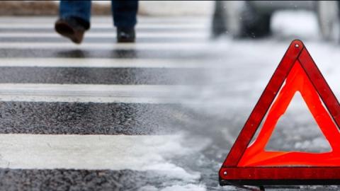 Иномарка сбила женщину на пешеходном переходе