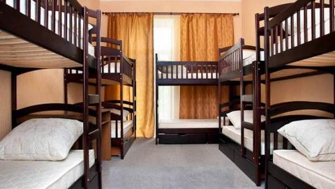 Скандальный закон о хостелах в жилых домах отклонил Совет Федерации