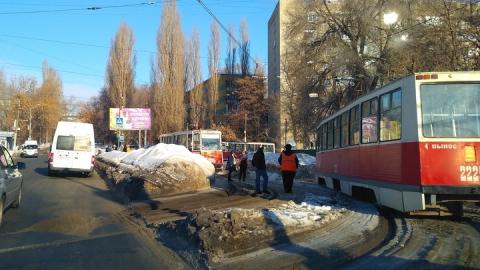 Два трамвайных маршрута остановились из-за обесточки