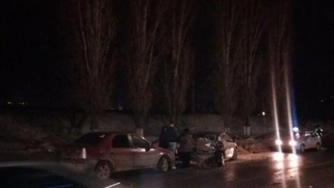 Восемь человек ранены в аварии с тремя легковушками и маршруткой