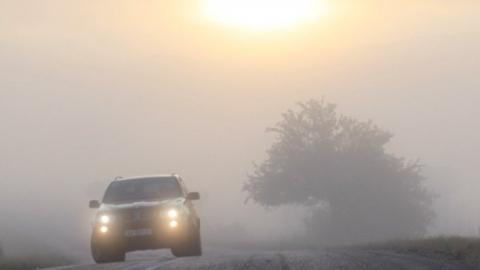Туман и порывы ветра осложнят жизнь саратовцам