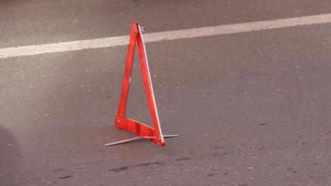 Пешехода по очереди сбили две машины