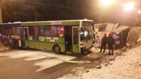 """Появилось видео с последствиями аварии автобуса и """"молочной"""" """"Газели"""""""