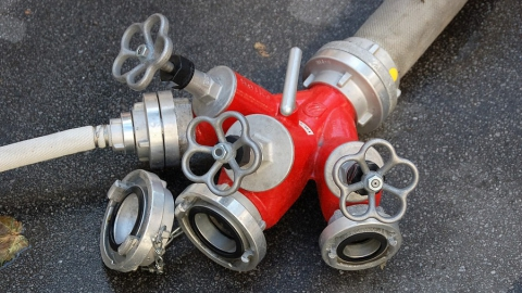 Загоревшееся почтовое отделение тушили три пожарных расчета