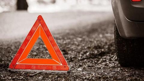 В столкновении иномарки с маршруткой пострадали три пассажирки