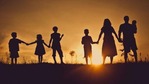 Почти три тысячи саратовских семей воспитывают по четверо детей
