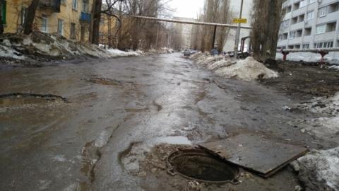 Два открытых люка нашли на улице Миллеровской