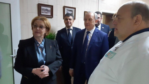 Вероника Скворцова посетила бальнеологическую больницу в Саратове