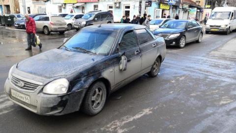 """В центре Саратова """"Лада Приора"""" сбила 12-летнюю девочку"""