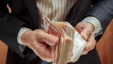 Чиновники: за последние семь лет зарплата бюджетников удвоилась