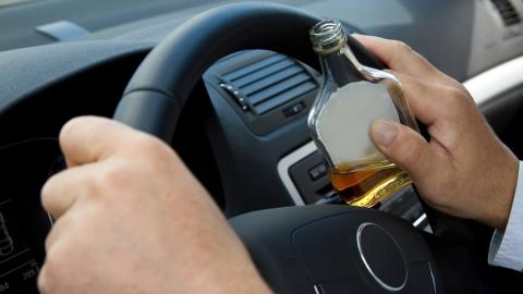"""Пьяного водителя без прав на """"Ауди"""" задержали ночью"""