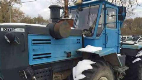 Водитель погиб под гусеницами своего трактора