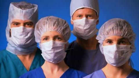 Саратовским врачам предлагают вакансию с зарплатой 55 тысяч рублей