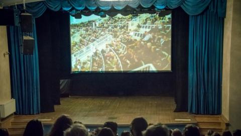 В шести городах Саратовской области появятся виртуальные концертные залы
