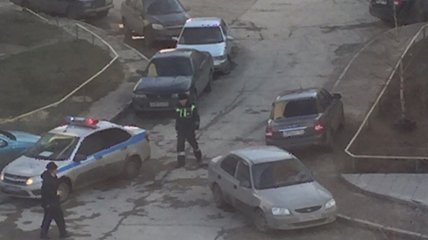 Во дворах Саратова заметили сотрудников ГИБДД с фотокамерами