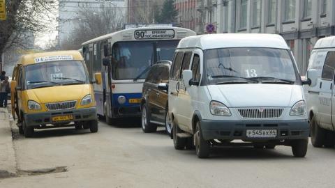 В Саратове не работают 12 автобусных маршрутов