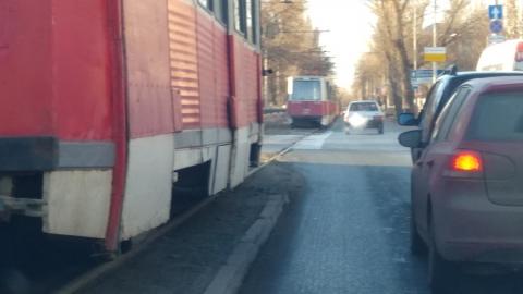 Авария в Мирном переулке снова парализовала трамвайное движение