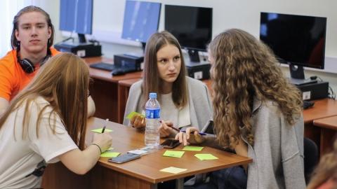 В Саратове продолжается реализация конкурсов для будущих абитуриентов